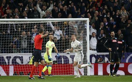 Football Soccer - Real Madrid v Napoli - UEFA Champions League Round of 16 First Leg - Estadio Santiago Bernabeu, Madrid, Spain - 15/2/17 Real Madrid's Toni Kroos celebrates scoring their second goal  Reuters / Susana Vera Livepic