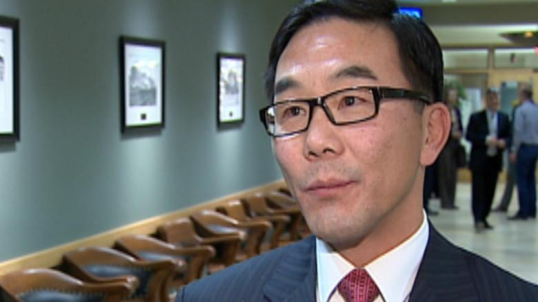 Ward 4 Coun. Sean Chu issued an apology over two tweets about a presentation done by a city employee on the proposed First Street cycle track. The issue spurred council to schedule a proper behaviour session.