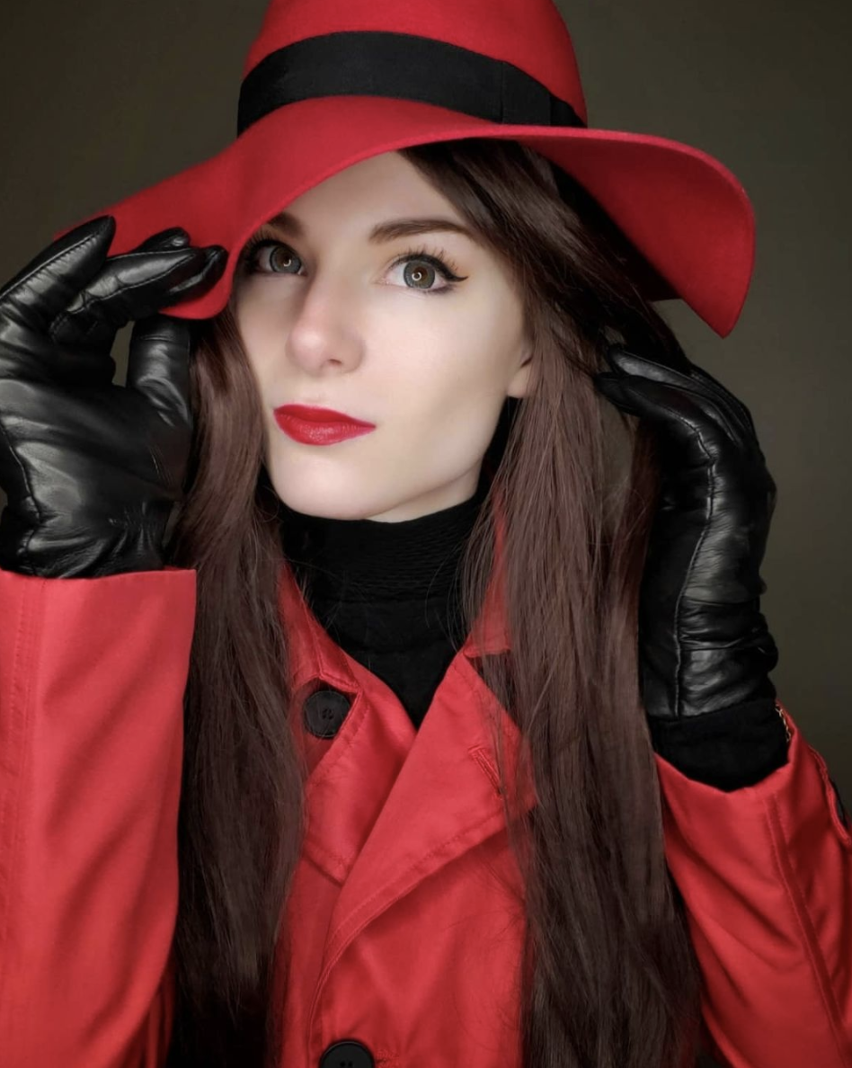 """<p>If you've always wanted to be an international woman of mystery, now's your chance. And all you need is her signature red trench coat, a matching hat, and a pair of black gloves. </p><p><a class=""""link rapid-noclick-resp"""" href=""""https://www.amazon.com/ebossy-Womens-Double-Breasted-Overcoat/dp/B0817X17XP?tag=syn-yahoo-20&ascsubtag=%5Bartid%7C10072.g.37059504%5Bsrc%7Cyahoo-us"""" rel=""""nofollow noopener"""" target=""""_blank"""" data-ylk=""""slk:SHOP COAT"""">SHOP COAT</a></p>"""