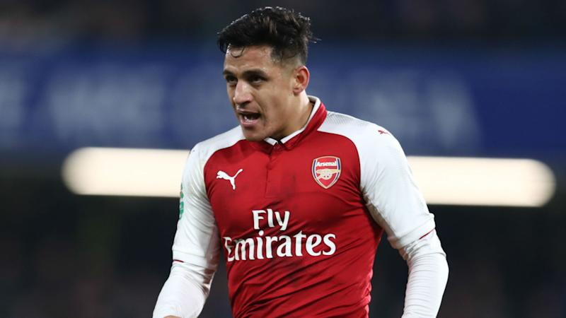 Alexis Sanchez dropped from Arsenal squad as Old Trafford move edges closer