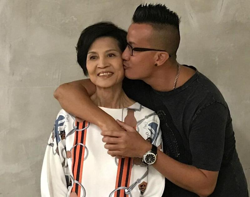 Singapore actor Chen Hanwei and his mother. (PHOTO: Chen Hanwei/Instagram)