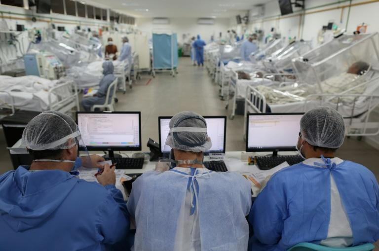 The intensive care unit for coronavirus patients in the Gilberto Novaes Hospital in Manaus, Brazil, on May 20, 2020 (AFP Photo/MICHAEL DANTAS)