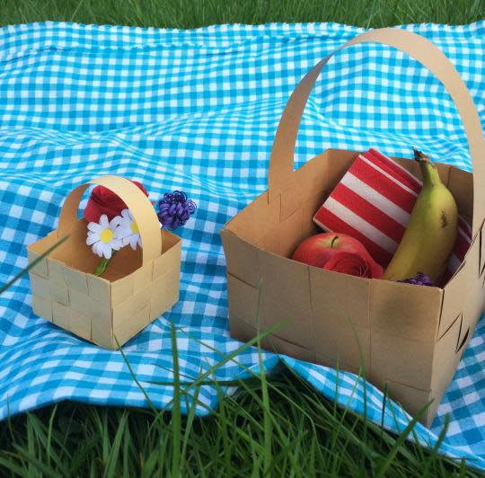 How To Make A Newspaper Basket With Top : Diy this paper picnic basket for delicious adventures in