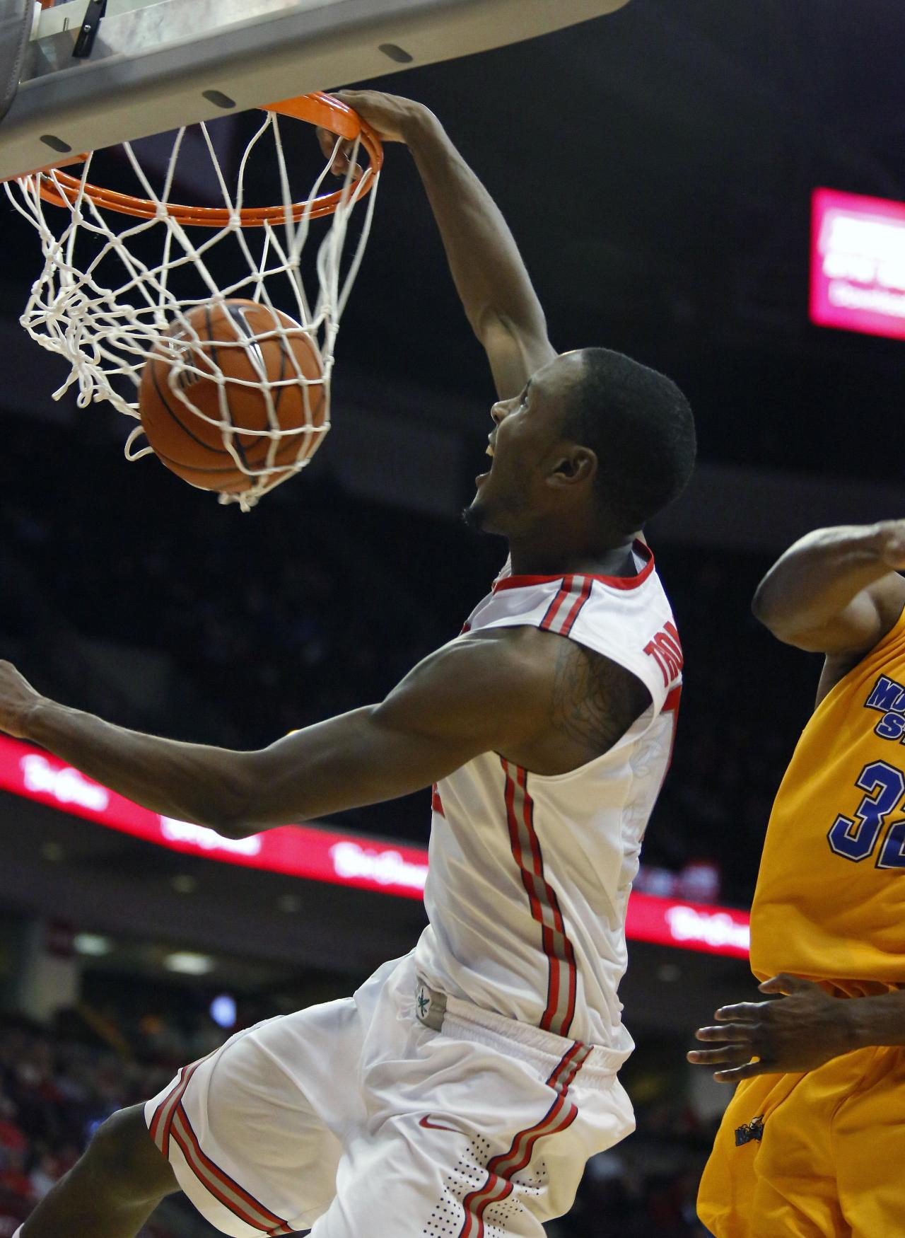Dunk of the year nominee: Sam Thompson's inbound alley-oop