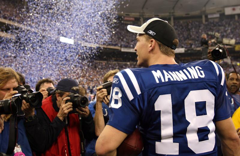 Peyton Manning and Colts celebrates finally got past the Patriots on January 21, 2007. (Photo by Mike Ehrmann/Getty Images)