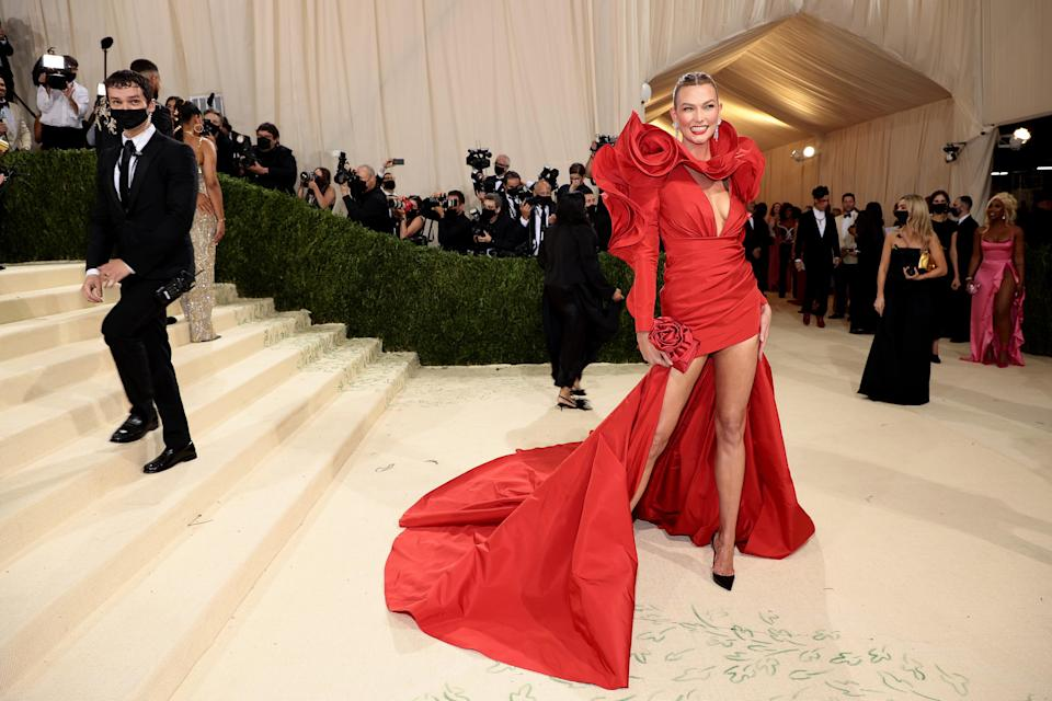 """<h1 class=""""title"""">Karlie Kloss, The 2021 Met Gala Celebrating In America: A Lexicon Of Fashion - Arrivals</h1><cite class=""""credit"""">Getty</cite>"""