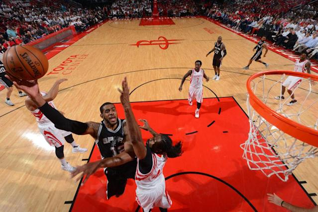 """<a class=""""link rapid-noclick-resp"""" href=""""/nba/players/4130/"""" data-ylk=""""slk:LaMarcus Aldridge"""">LaMarcus Aldridge</a> gave the Spurs exactly what they needed in Game 3. (Getty Images)"""