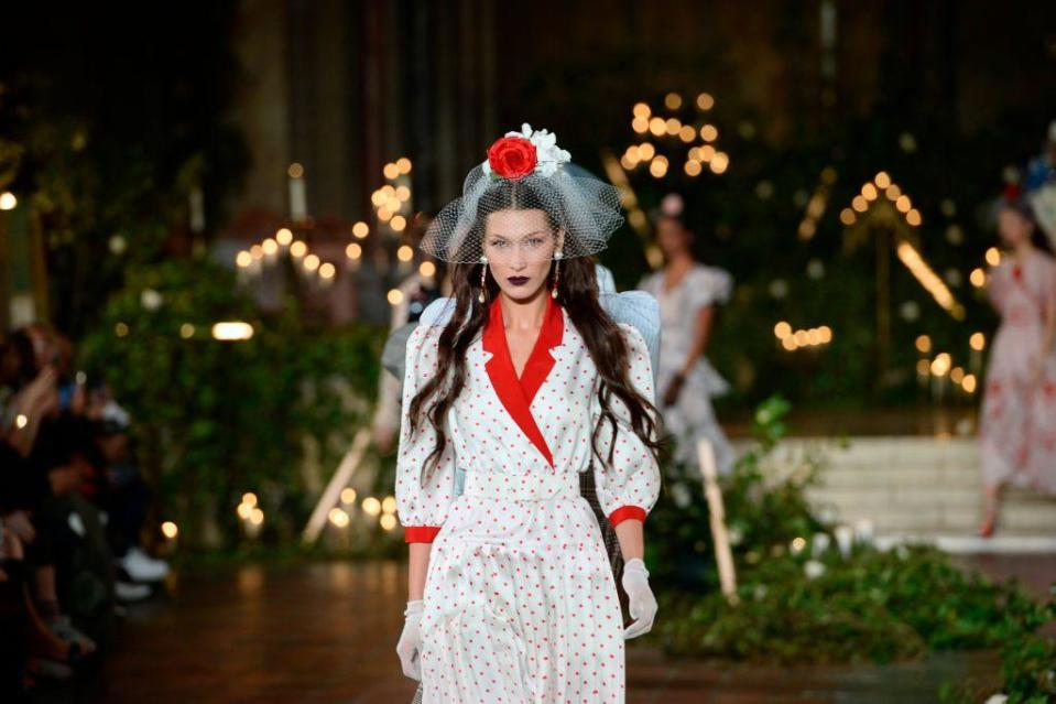 <p>Just in case you needed more convincing this is a trend worth watching: Presenting this rose-topped veil on Bella Hadid on the Rodarte runway.</p>