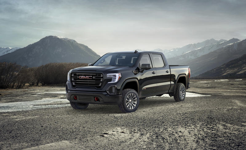 2019 GMC Sierra AT4 (Credit: GM)