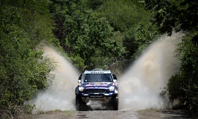 Mini driver Nasser Al-Attiyah of Qatar and co-driver Mathieu Baumel of France compete during the Stage 11 of the Dakar 2015 between Salta and Termas de Rio Hondo, Argentina, on January 15, 2015 (AFP Photo/Franck Fife)