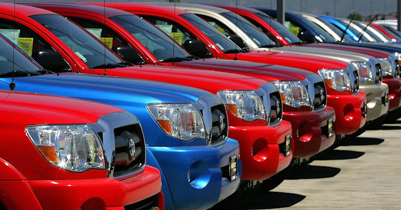 Auto loans roar to trillion-dollar level