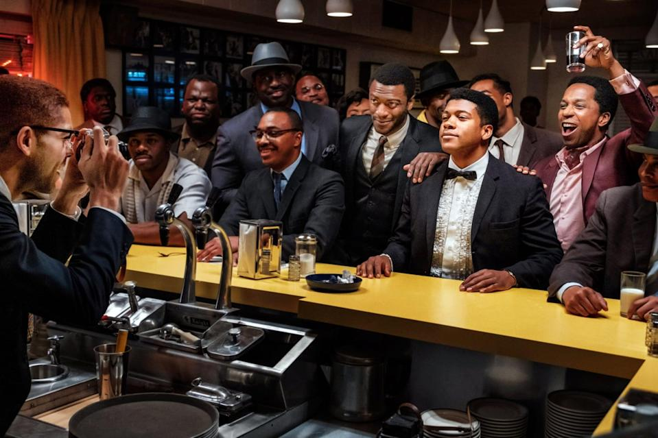 ONE NIGHT IN MIAMI, beginning at center from left: Aldis Hodge as Jim Brown, Eli Goree as Cassius Clay, Leslie Odom Jr. as Sam Cooke, 2020. ph: Patti Perret /  Amazon / Courtesy Everett Collection