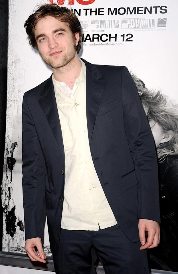 "<a href=""http://movies.yahoo.com/movie/contributor/1808623206"">Robert Pattinson</a> at the New York City premiere of <a href=""http://movies.yahoo.com/movie/1810076910/info"">Remember Me</a> - 03/01/2010"