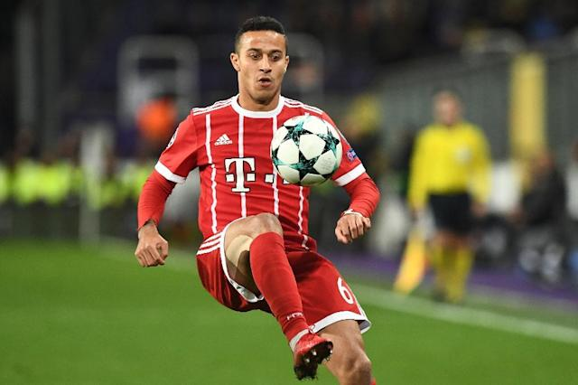 Bayern Munich's Thiago Alcantara controls the ball during a UEFA Champions League match at Constant Vanden Stock Stadium in Brussels, in November 2017 (AFP Photo/Emmanuel DUNAND)