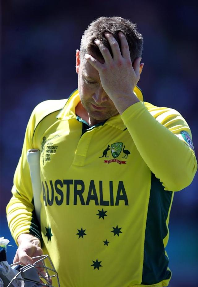 Ausralia captain Michael Clarke walks off after being dismissed for 12 during the World Cup Pool A match against New Zealand at Eden Park in Auckland on February 28, 2015 (AFP Photo/Michael Bradley)