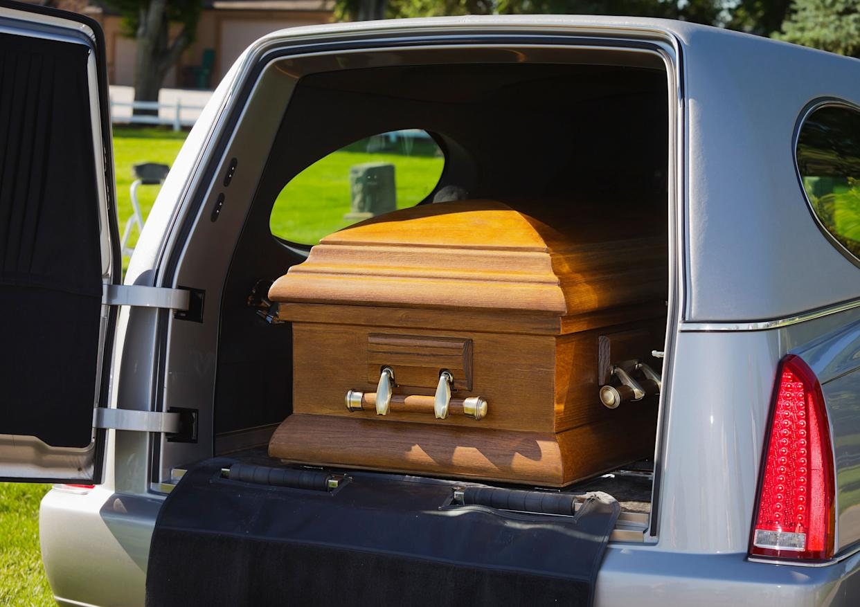 No You Can T Use The Carpool Lane If A Dead Person Is Your Only