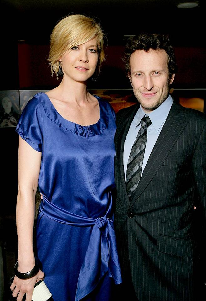"""Jenna Elfman and her hubby Bodhi color-coordinate for the affair. Todd Williamson/<a href=""""http://www.wireimage.com"""" target=""""new"""">WireImage.com</a> - March 27, 2008"""