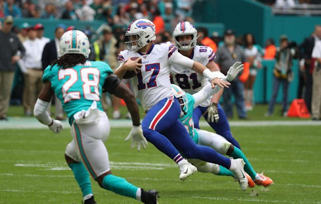 Column: CBS' Dedes, Archuleta pass the Madden Rule in Bills game worth watching twice