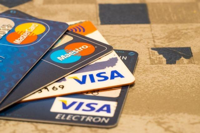 Banks moot European payment system to rival Visa, Mastercard: sources