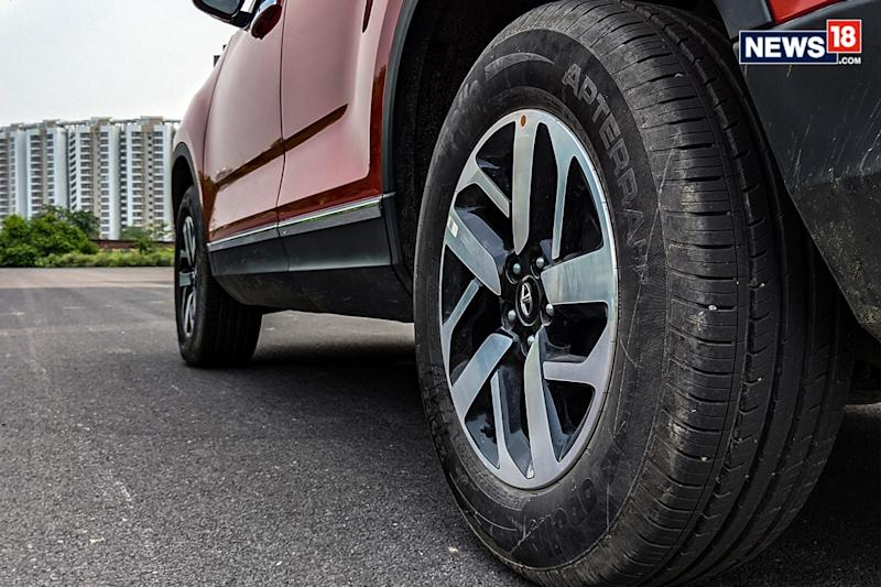 Tata-Harrier-Automatic-Review-Tyres