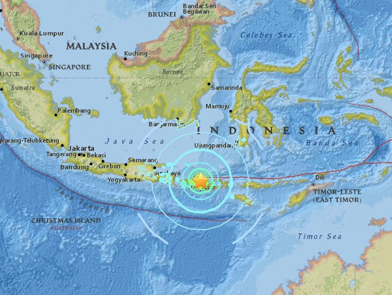 Indonesia earthquake in Lombok triggers tsunami warning