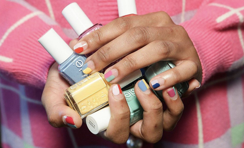 Don't scramble to get into the salon before it closes — remove your gel manicure at home. (Credit: Rita Remark via Instagram)