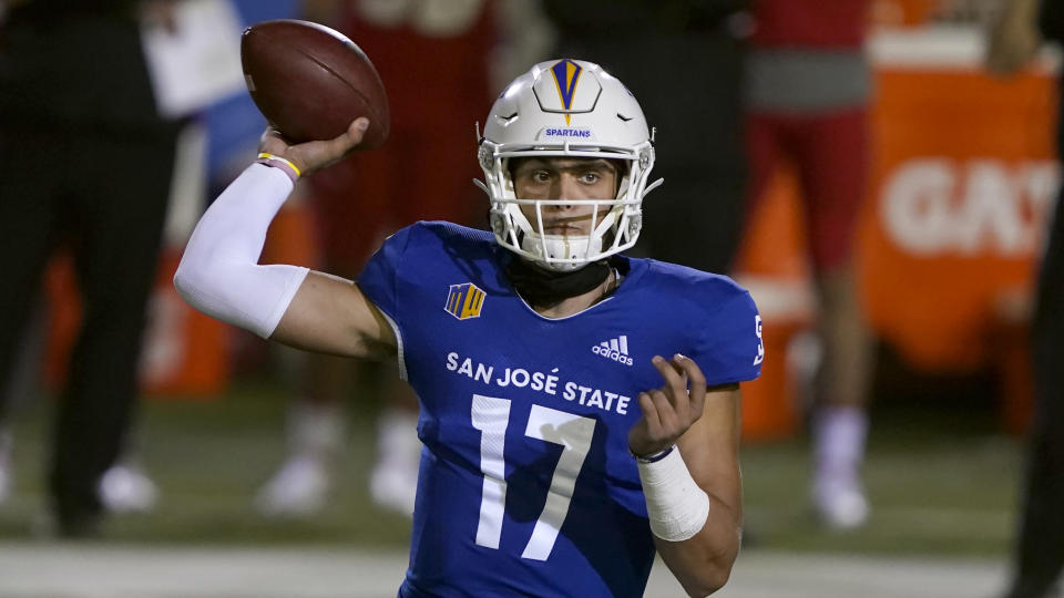 San Jose State quarterback Nick Starkel (17) throws against New Mexico during an NCAA football game on Saturday, Oct. 31, 2020 in San Jose, Calif. (AP Photo/Tony Avelar)