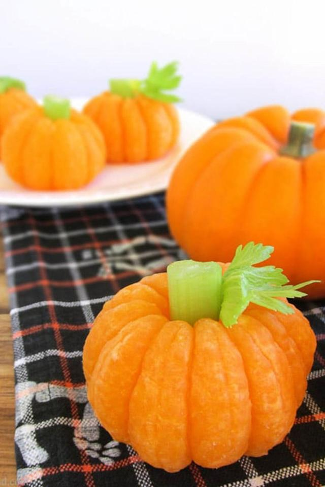 "<p><span>Your kids won't mind healthy eating when it's in pumpkin form. </span></p><p><strong>Get the <strong>recipe</strong><span></span> at <a rel=""nofollow"" href=""https://brendid.com/tangerine-pumpkin-8-healthy-halloween-snack/"">Bren Did</a>.</strong></p>"