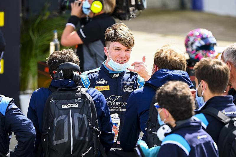 Ticktum: F2 radio messages