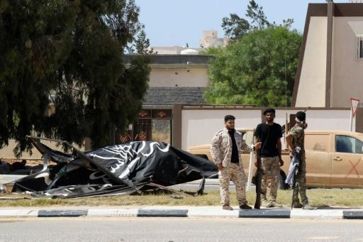 37 Libya pro-govt fighters dead in clashes with IS