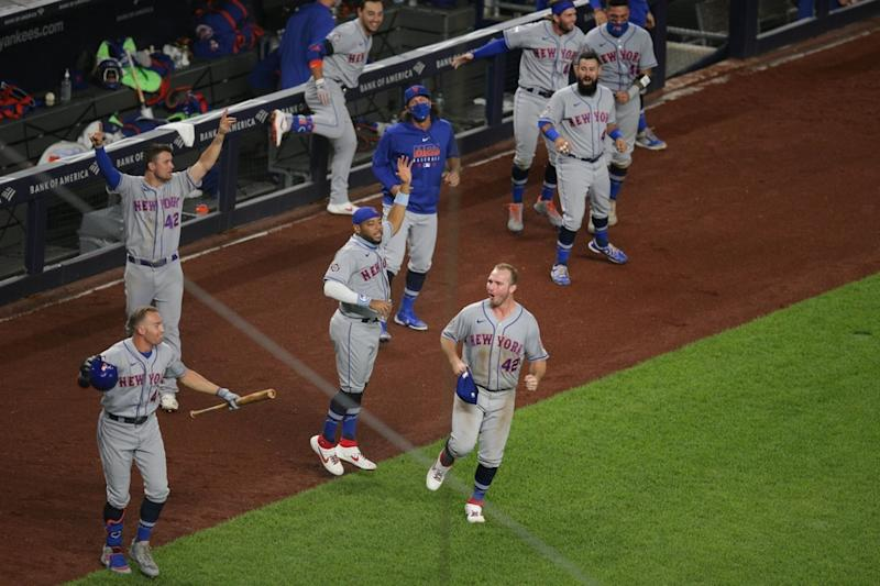 Mets celebrate walk-off win