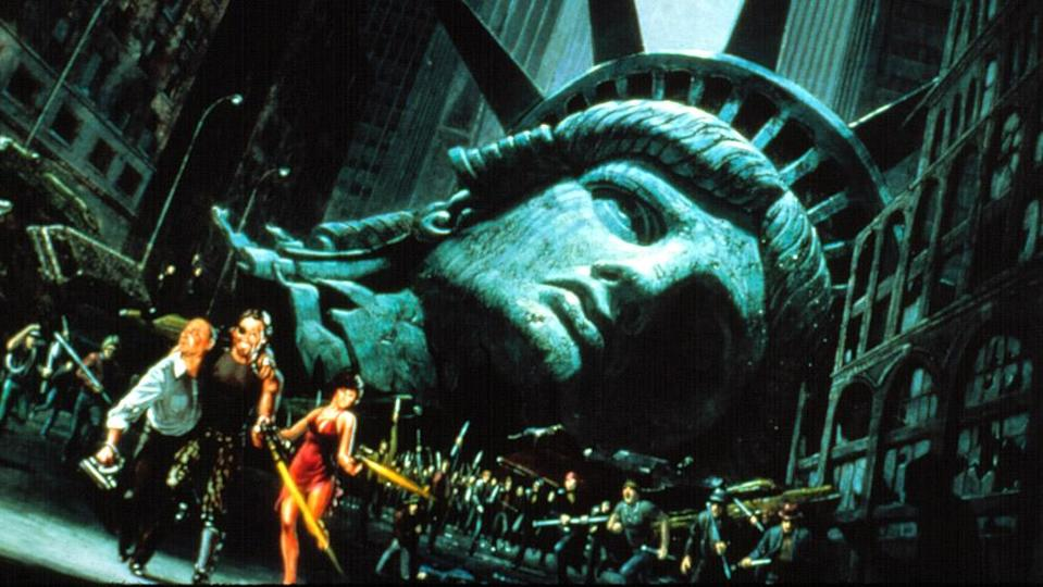 """Kurt Russell and Adrienne Barbeau in """"Escape From New York"""" - Credit: Courtesy Everett Collection"""
