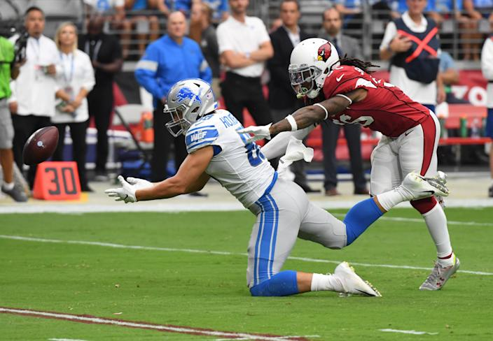 "<a class=""link rapid-noclick-resp"" href=""/nfl/teams/detroit/"" data-ylk=""slk:Detroit Lions"">Detroit Lions</a> tight end <a class=""link rapid-noclick-resp"" href=""/nfl/players/31840/"" data-ylk=""slk:T.J. Hockenson"">T.J. Hockenson</a> had a debut game for the record books against the <a class=""link rapid-noclick-resp"" href=""/nfl/teams/arizona/"" data-ylk=""slk:Arizona Cardinals"">Arizona Cardinals</a>. (Getty Images)"