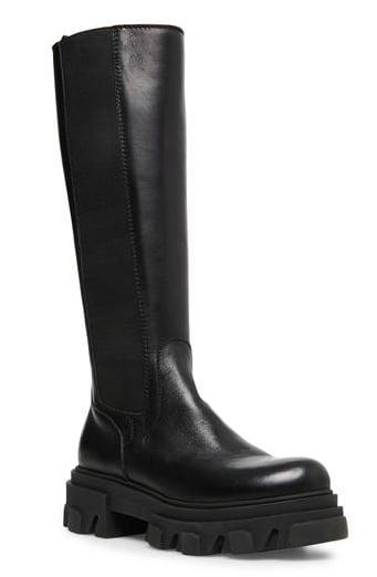<p><span>Steve Madden Wayde Leather Boots</span> ($190)</p>