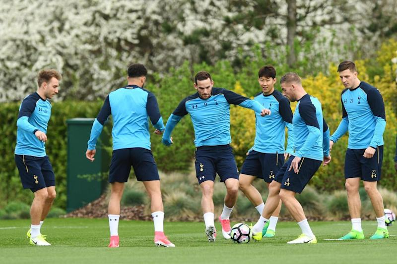 Vincent Janssen and Heung-min Son in training ahead of Burnley (Tottenham Hotspur FC via Getty Images)