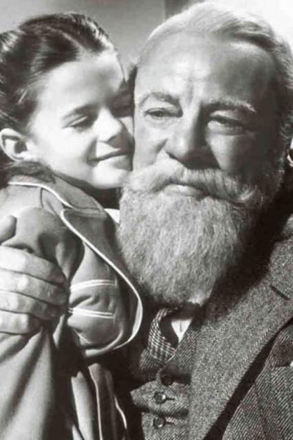 "<strong><em><h3>Miracle on 34th Street</h3></em><h3>, 1947</h3></strong><h3><br></h3><br>This Christmas classic starts out with a drunk Santa and only gets better. A bit sappy, maybe. But, we fall for it every year.<br><br><strong>Watch On: </strong>Amazon Video<span class=""copyright"">Photo: Courtesy of 20th Century Fox.</span>"