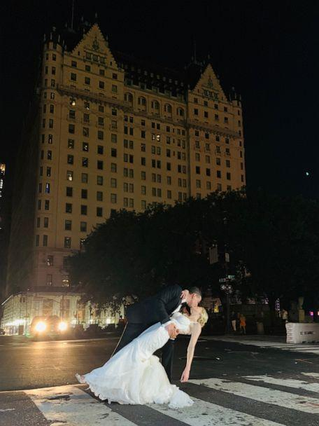 PHOTO: Craig Silverstein and Amy Rosenthal got married in New York City even though the power went out on July 13, 2019. (Courtesy Justin Rosenthal )