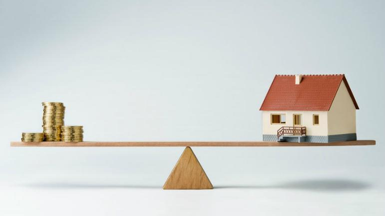 How To Buy And Sell Houses At The 'Right' Price