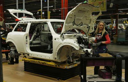 United Kingdom  automotive industry calls on government to rethink Brexit plans
