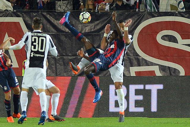 Soccer Football - Serie A - Crotone vs Juventus - Ezio Scida Municipal Stadium, Crotone, Italy - April 18, 2018 Crotone's Simy scores their first goal with a overhead kick REUTERS/Massimo Pinca