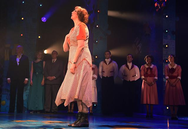 """Miranda Hart takes the curtain call at the press night performance of """"Annie"""" at The Piccadilly Theatre, 2017. (David M Benett/Dave Benett/Getty Images)"""