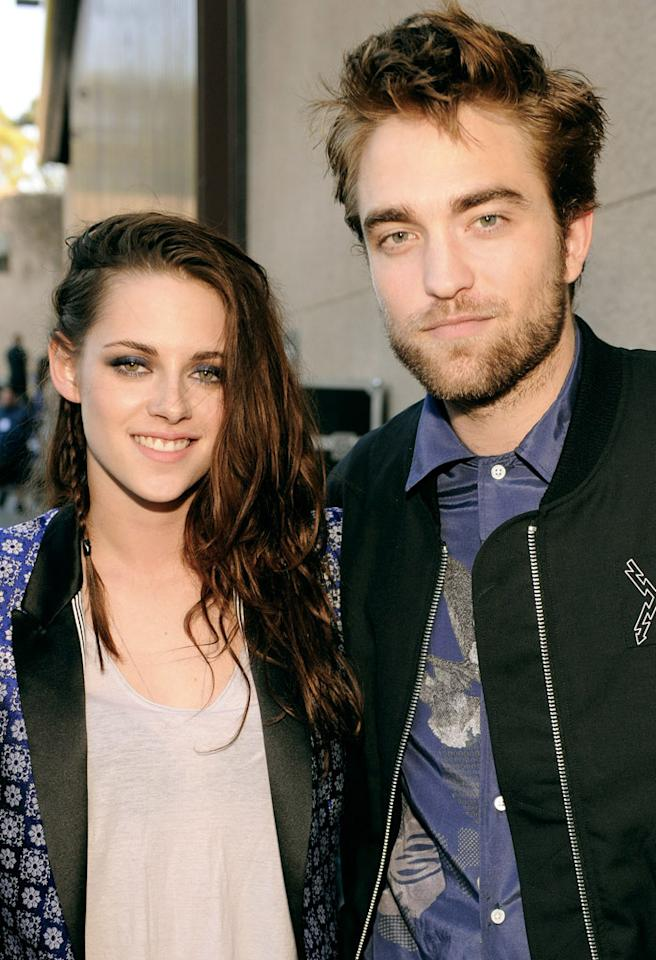 UNIVERSAL CITY, CA - JULY 22:  Actors Kristen Stewart and Robert Pattinson attend the 2012 Teen Choice Awards at Gibson Amphitheatre on July 22, 2012 in Universal City, California.  (Photo by Kevin Mazur/TCA 2012/WireImage)