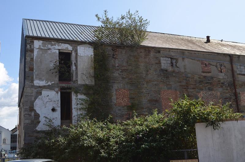 <strong>Even though a planning application was approved, no work has taken place and the buildings are continuing to deteriorate</strong> (The Victorian Society)