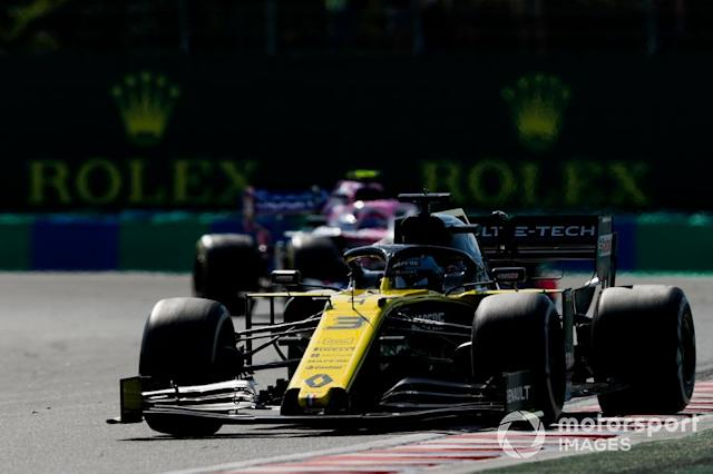 "Daniel Ricciardo, Renault F1 Team R.S.19, Lance Stroll, Racing Point RP19 <span class=""copyright"">Zak Mauger / LAT Images</span>"