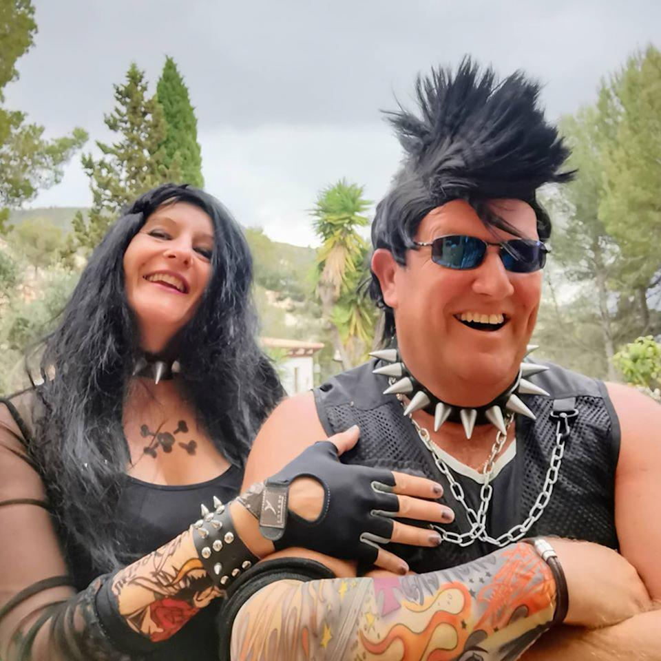 Jo and Pete's 'punk rocker' themed costumes (PA Real Life/Collect)