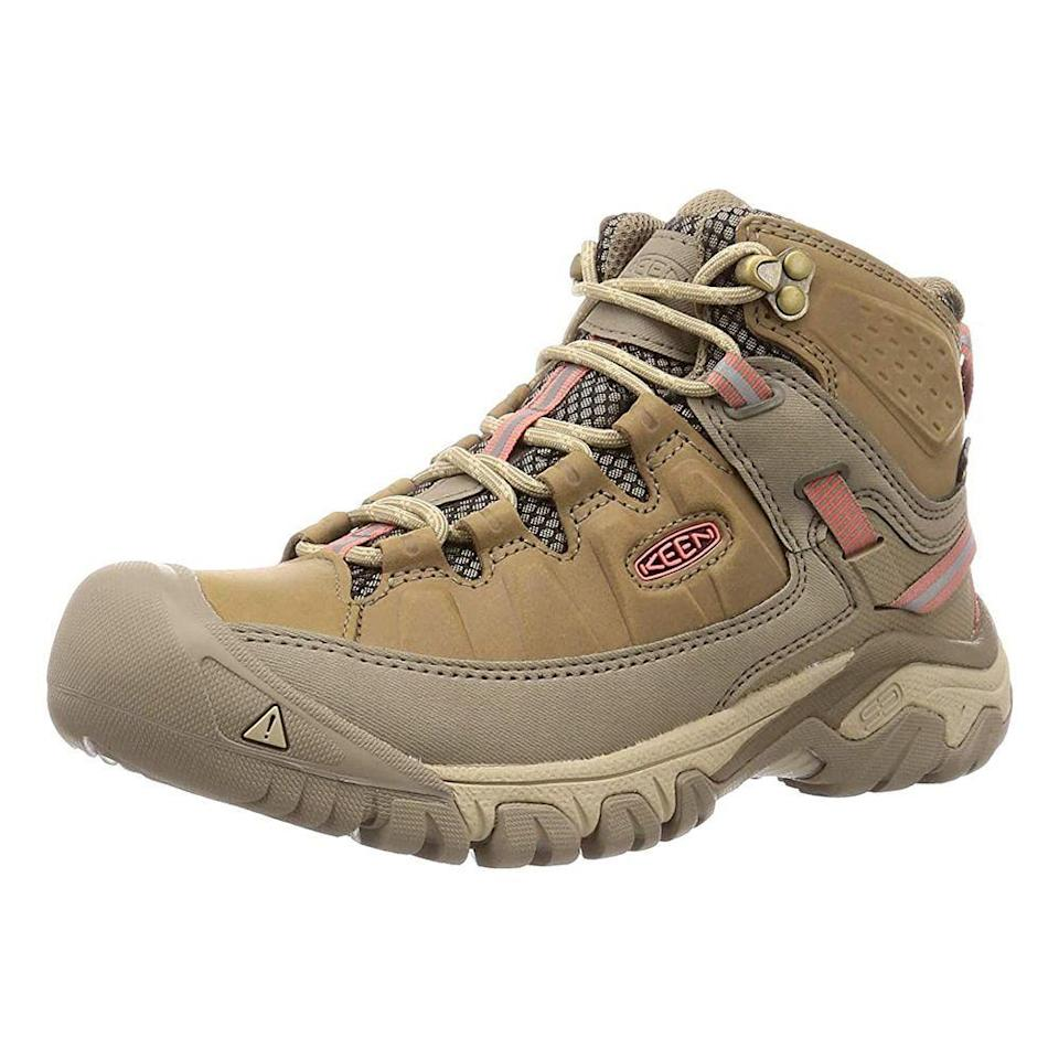 "<p><strong>Keen</strong></p><p>amazon.com</p><p><strong>$135.22</strong></p><p><a href=""https://www.amazon.com/dp/B07TBS9DLG?tag=syn-yahoo-20&ascsubtag=%5Bartid%7C2141.g.34349963%5Bsrc%7Cyahoo-us"" rel=""nofollow noopener"" target=""_blank"" data-ylk=""slk:Shop Now"" class=""link rapid-noclick-resp"">Shop Now</a></p><p>Keen is making it on this list for the second time around</p>"