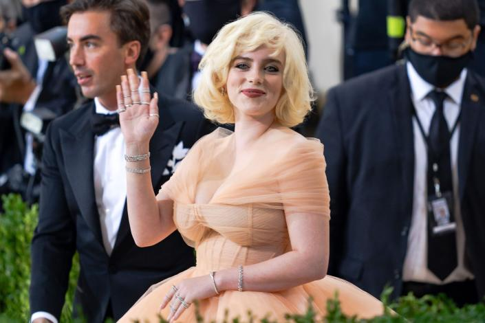 Only eight beauty products from British make-up brand Charlotte Tilbury were used to create Billie Eilish's Hollywood glam-inspired look at this year's Met Gala. (Getty Images)