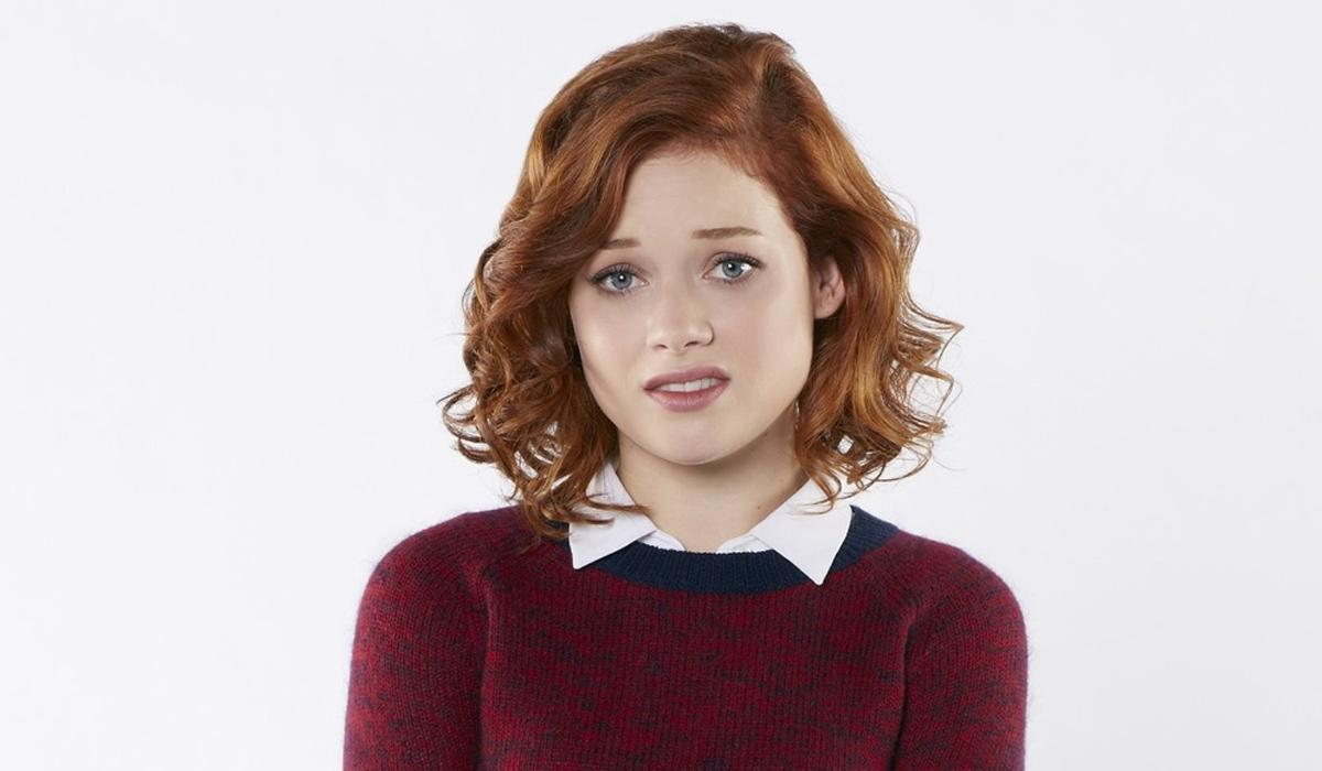 <p>One of my top picks, Jane Levy shot to fame as the star of ABC comedy, 'Suburgatory' going on to star in the recent 'Evil Dead' remake. She's got the looks, the attitude and the acting chops to pull it off.<br /> (Credit: ABC) </p>