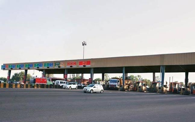 One lane in every toll plaza will be a dedicated FASTag lane where no other form of payment will be accepted, NHAI Chairman Deepak Kumar said<br />