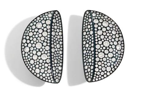 vhernier Eclisse diamond earrings